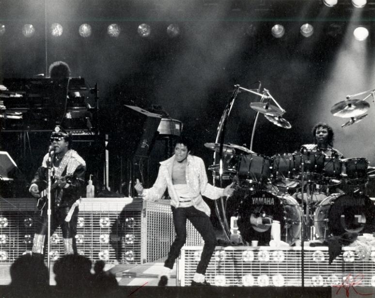 Michael_Jackson-Victory_Tour.01